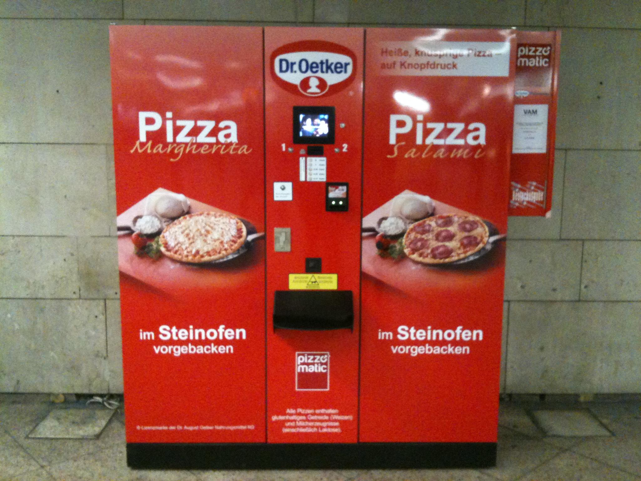pizzomatic der pizza automat im hauptbahnhof frankfurt stadtkind. Black Bedroom Furniture Sets. Home Design Ideas
