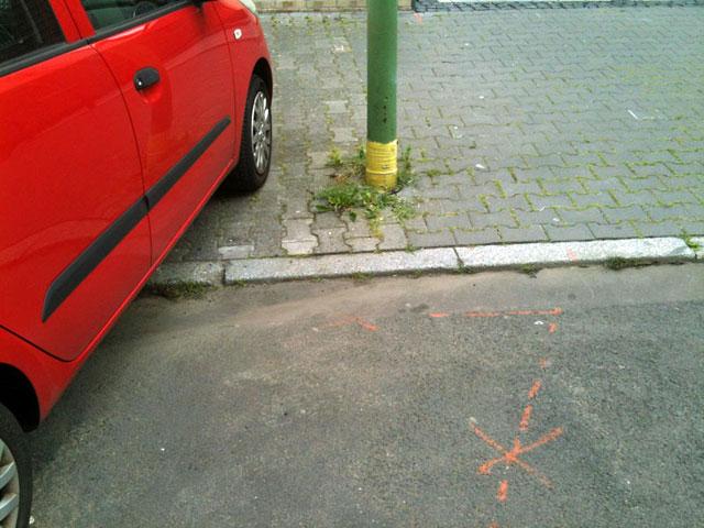 falsch-parken-in-frankfurt-bornheim-3