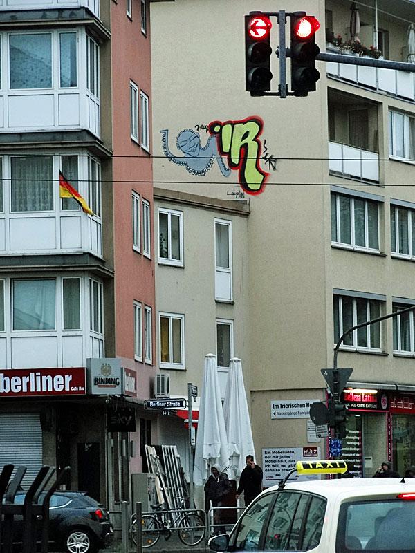 graffiti-frankfurt-loopin-ir-innenstadt