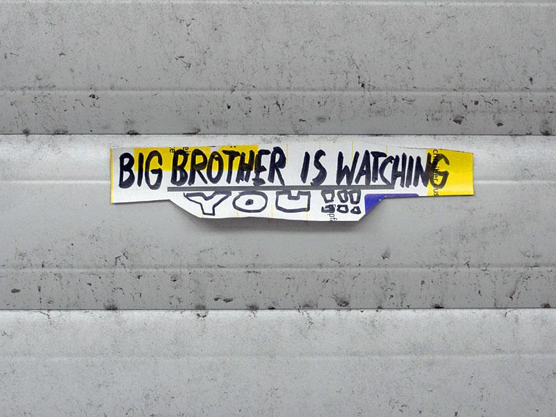 paketkarten-sticker-streetart-frankfurt-01