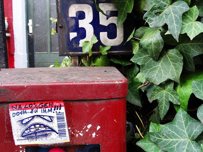 paketkarten-sticker-streetart-frankfurt-05