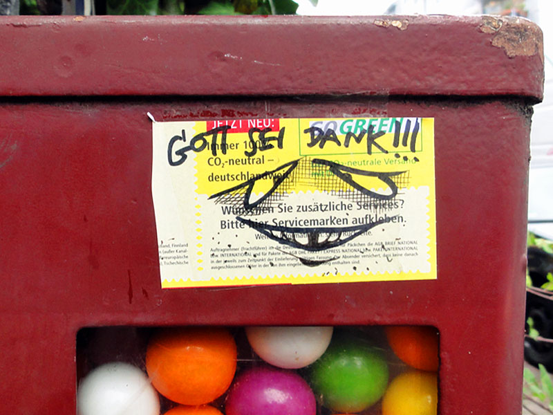 paketkarten-sticker-streetart-frankfurt-10