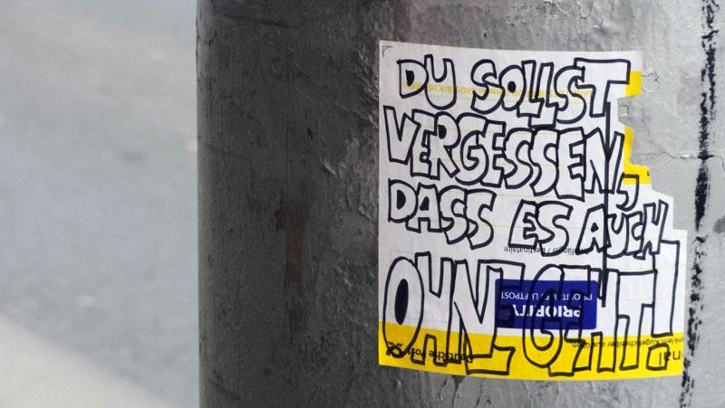 paketkarten-sticker-streetart-frankfurt-11