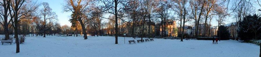 schnee-im-günthersburgpark-in-frankfurt-2