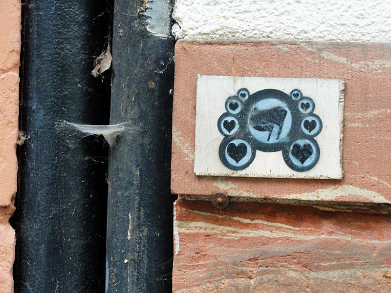 antifa-brett-streetart-frankfurt