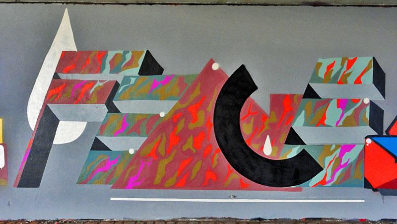 fence-graffiti-frankfurt-friedensbruecke