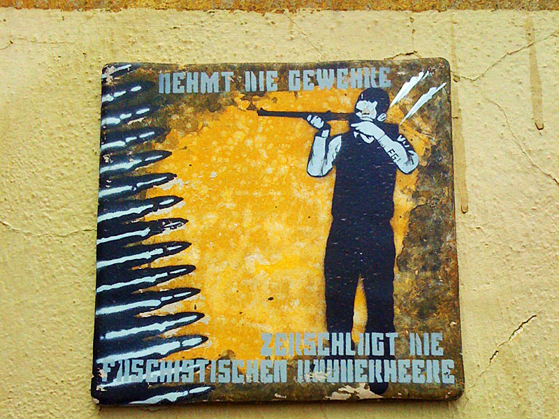 FG-Kachel-Tile-Streetart-Frankfurt-Nehmt-die-Gewehre