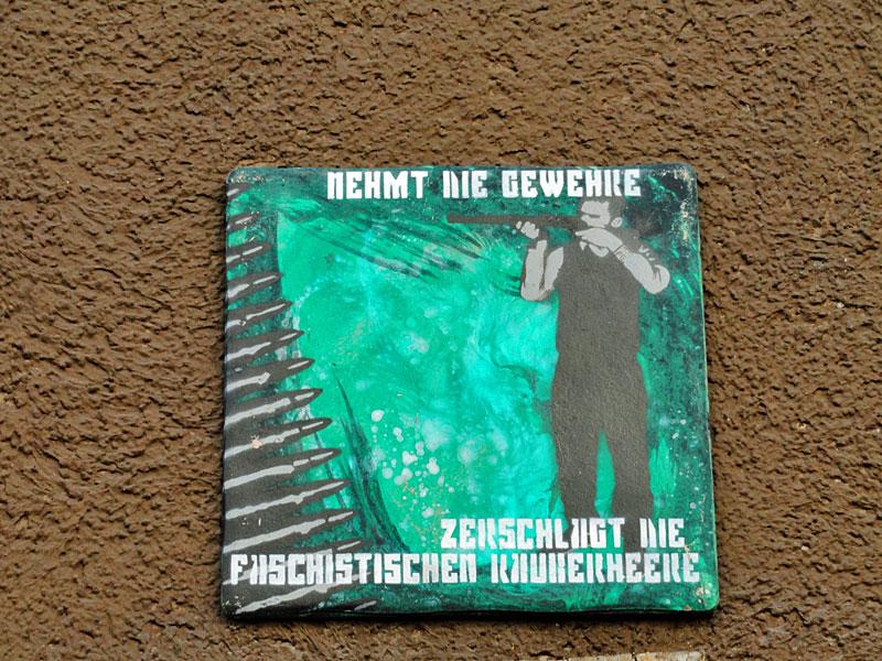 FG-Zerschlagt-die-faschistischen-Räuberheere-Kachel-Tile-Streetart-Frankfurt