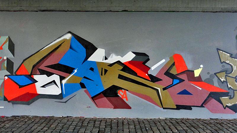 rake-graffiti-frankfurt-friedensbruecke