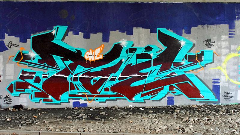 Toe-Graffiti-Friedensbrücke-Frankfurt
