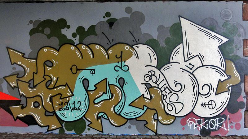 warz-graffiti-frankfurt-friedensbruecke