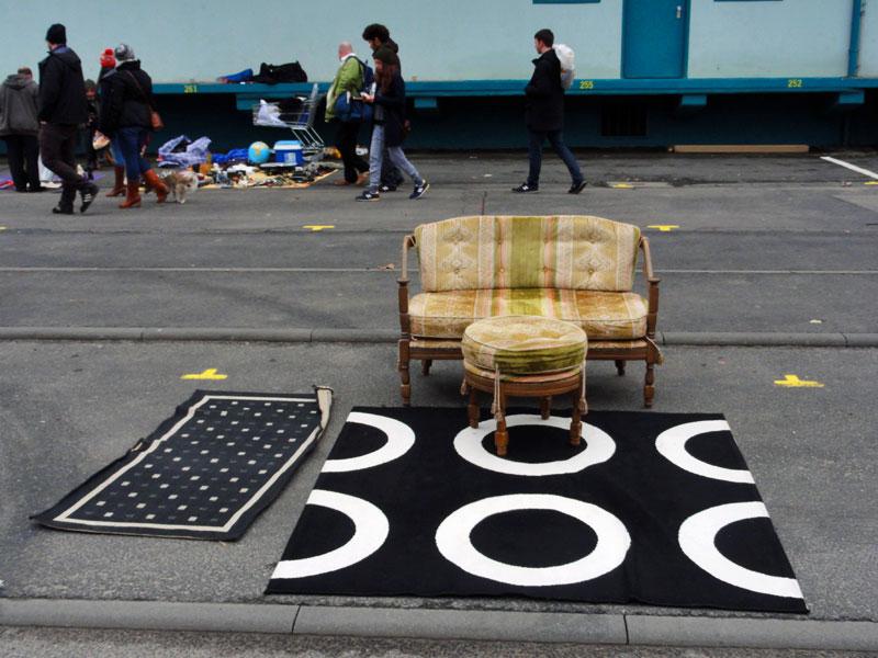 couch-teppich-asphalt