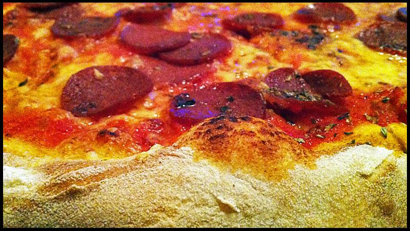 frankfurt-peperoniwurstpizza-da-franco