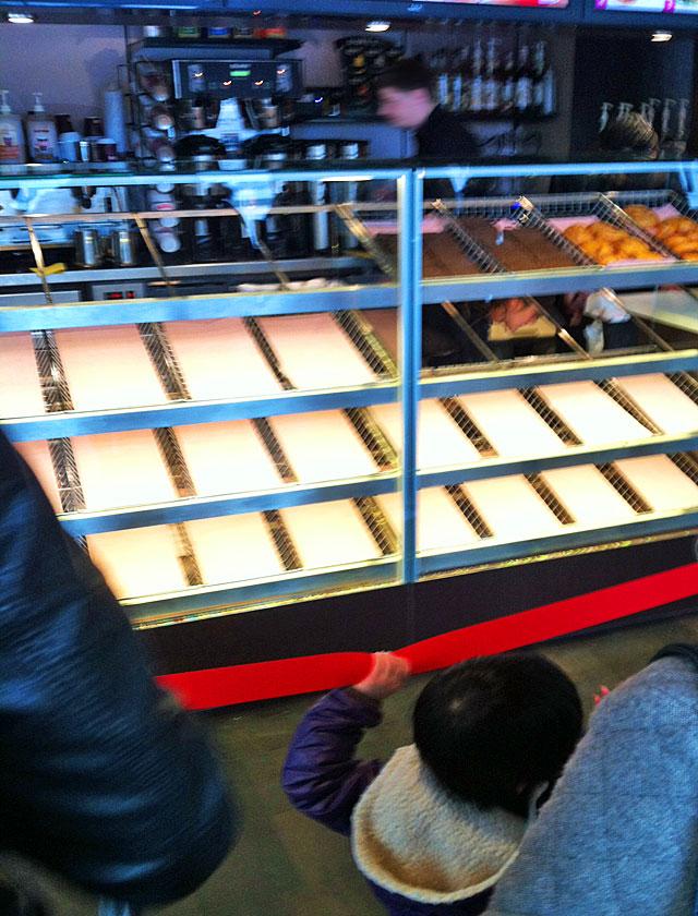 dunkin-donuts-eröffnung-auf-der-zeil-in-frankfurt-2