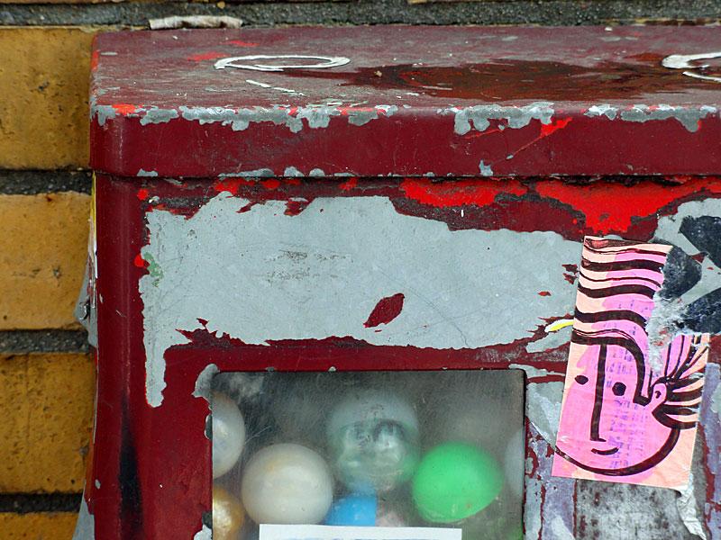 pyc-sticker-am-kaugummi-automat-in-frankfurt