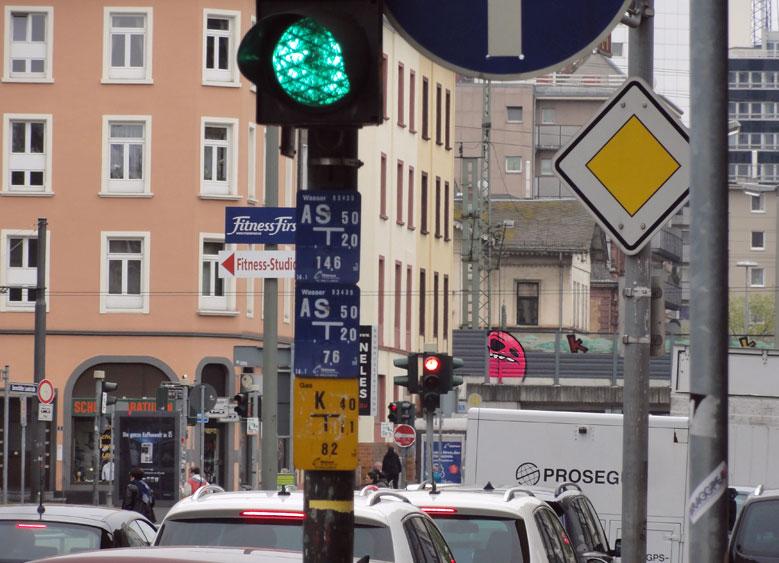 cityghost aus der ferne in frankfurt sachsenhausen