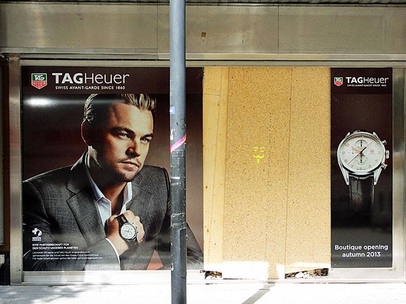selbstblockade-blockupy-2013-frankfurt-goethestrasse-tag-heuer