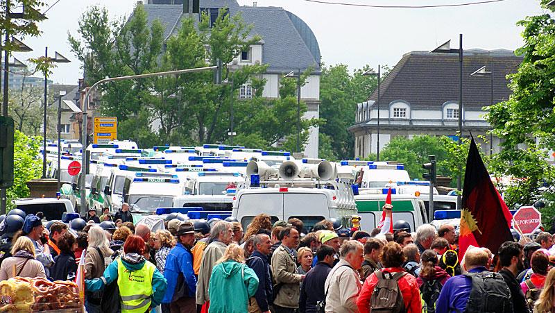 blockupy-frankfurt-2013-this-is-what-democracy-looks-like
