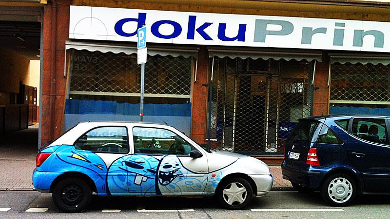 cityghosts-auto-mit-geister-in-blau-von-spot