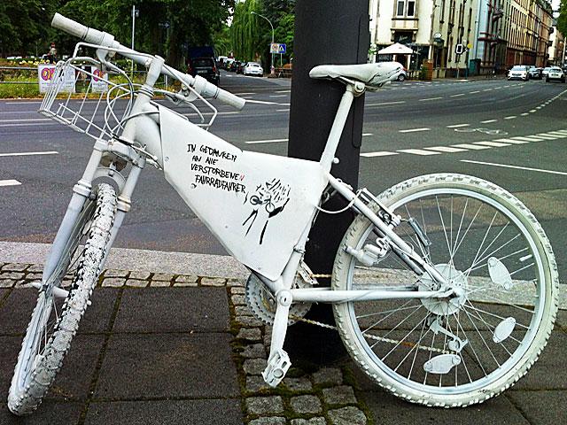 ghost-bike-frankfurt-nordend-günthersburgpark