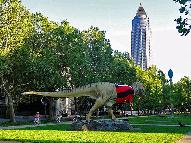 eintracht-frankfurt-trikot-dinosaurier-senckenberg-2-copyright-beachten
