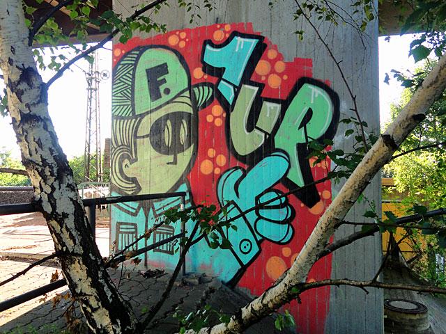 pyc-1up-frankfurt-graffiti-