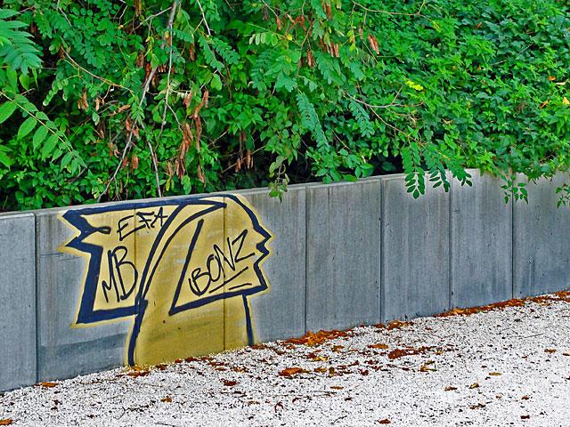 bonz-2-graffiti-frankfurt-ostend