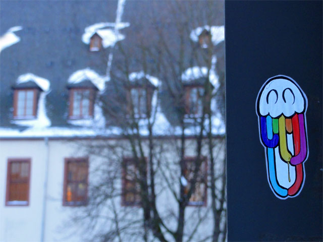 zhion-sticker-frankfurt-05-rainbow