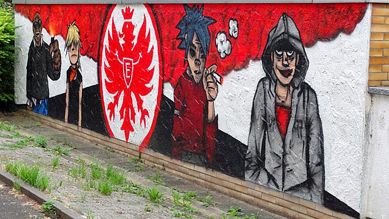 Kleines Eintracht-Frankfurt-Mural in Seckbach
