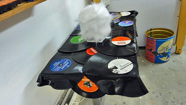 fraktali-vinyl-tisch