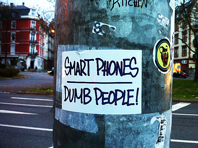 smart-phones-dumb-people-nordend-copyright-beachten