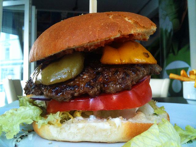 spicy-juan-im-heroes-premium-burger-in-frankfurt