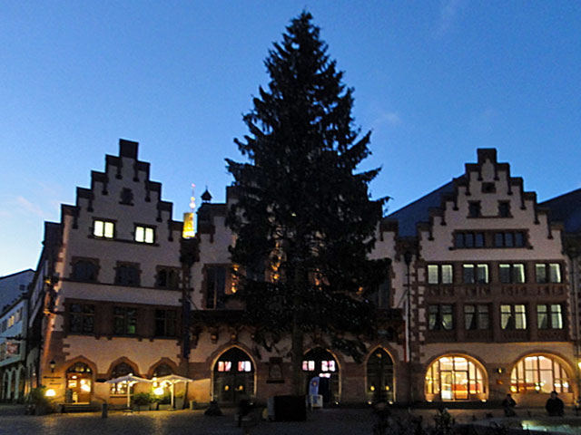 weihnachtsbaum-in-frankfurt