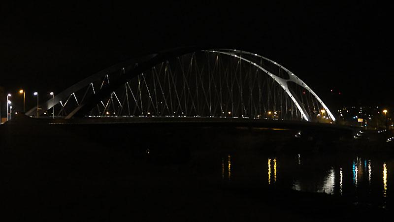 osthafenbrücke-in-frankfurt-am-main-bei-nacht-008