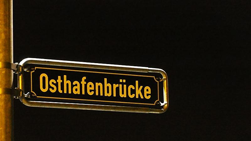 osthafenbrücke-straßenschild