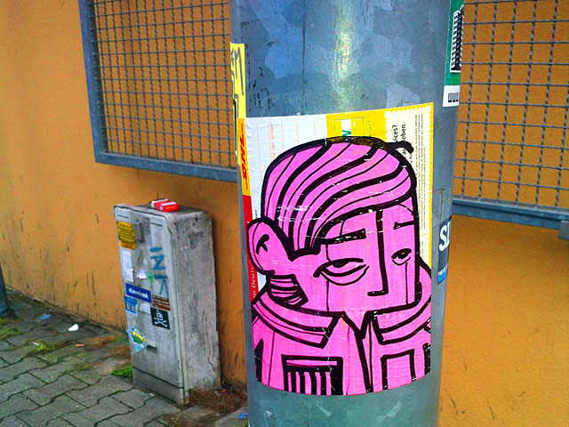 pyc-paketkarte-streetart
