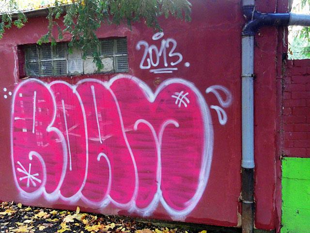 roam-graffiti-2013