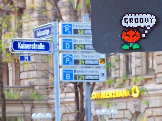 sur-l'eau-groovy-bügelperlen-streetart