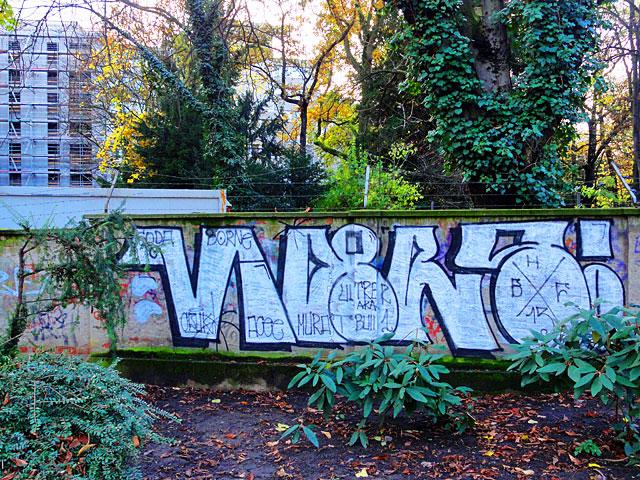 vipers-graffiti-parkanlage