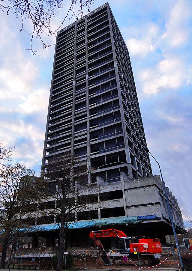 AfE-Turm-in-Frankfurt-2014