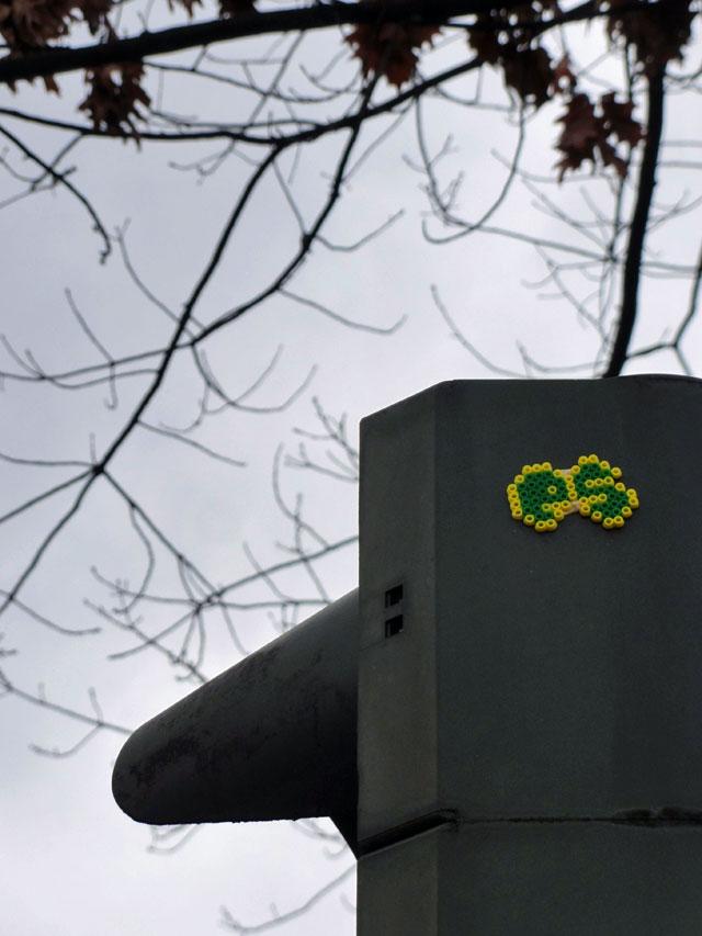 bügelperlen-streetart-frankfurt-es-ampel