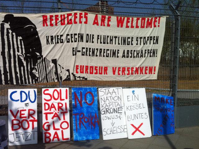 blockupy-zaunspaziergang-an-der-ezb-in-frankfurt-4
