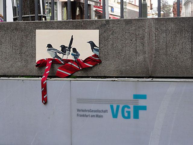 frankfurt-streetart-vögel-mit-krawatte