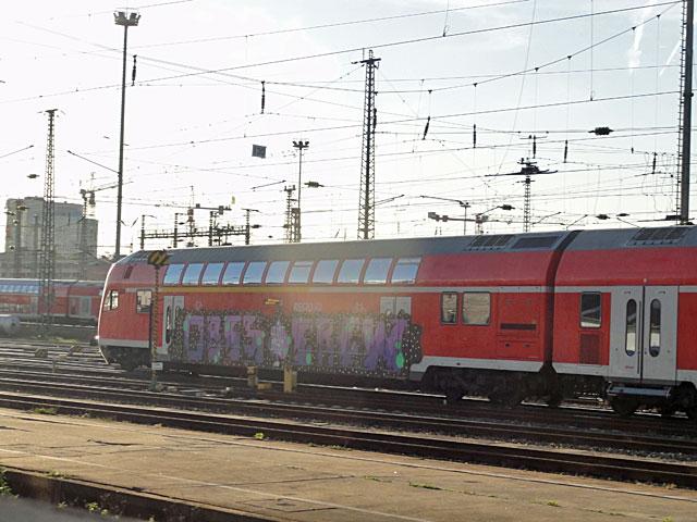frankfurt-train-obis-crew