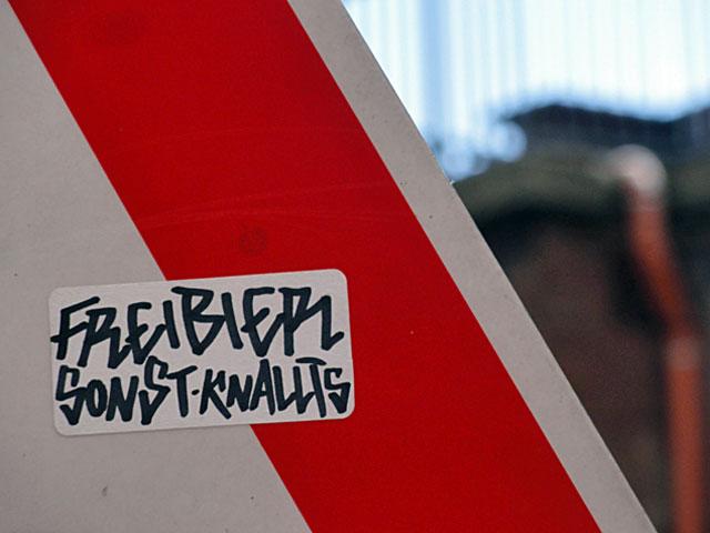 freibier-sonst-knallt's-sticker-frankfurt