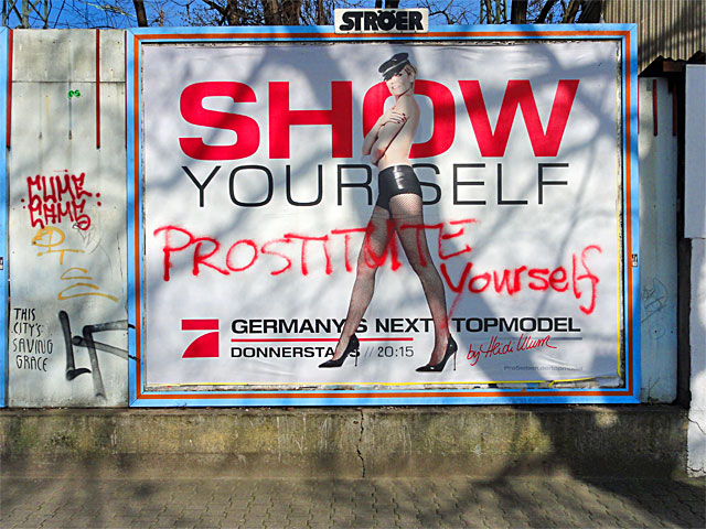 show-yourself-prostitute-yourself-pro7-heidi-klum-germanys-next-topmodel-frankfurt-copyright-stadtkindfrankfurt