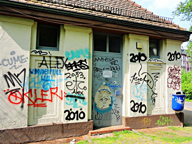 frankfurt-graffiti-all-colours-are-beautiful-6