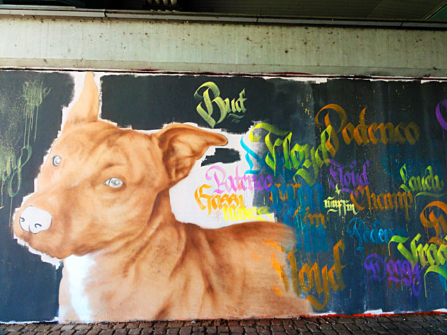 FRANKFURT-GRAFFITI-hunde-friedensbrücke-foto-11
