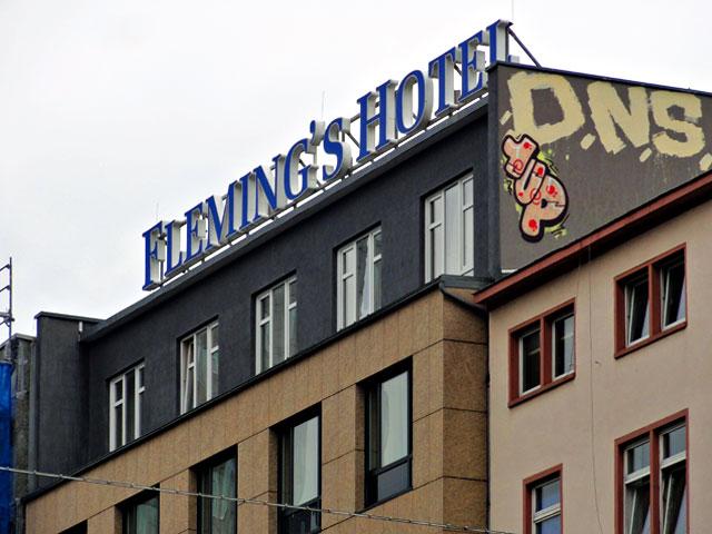 frankfurt-graffiti-rooftop-1up-dns-copyright-beachten
