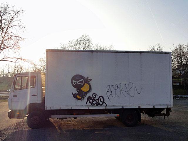 resq-lkw-graffiti-frankfurt-truck
